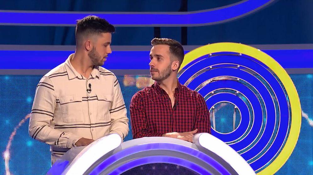 Foto: Antonio y Sergio, concursantes de 'El juego de los anillos'. (Antena 3)