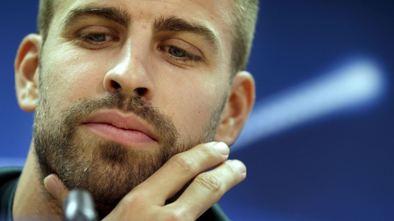 Piqué se queja en Twitter del arbitraje al Madrid y Sergio Ramos le manda 'callar'