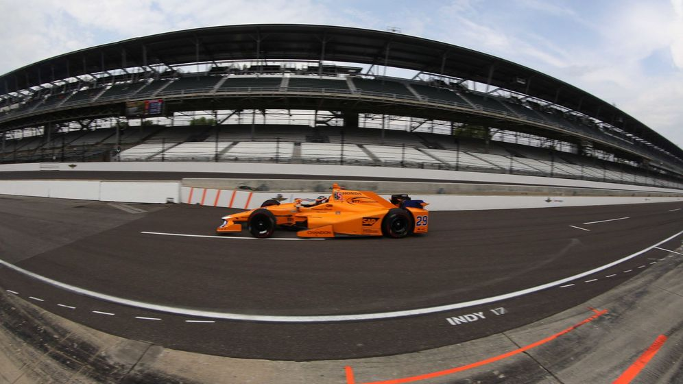 Foto: Fernando Alonso fue el segundo piloto que más rodó este viernes en Indianápolis. (Reuters)