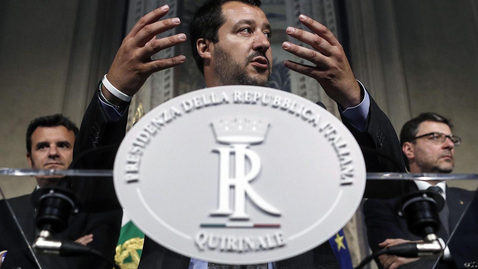Foto: El líder de la Liga Norte, Matteo Salvini, habla durante una rueda de prensa tras su reunión con el presidente italiano, Sergio Mattarella. (EFE)