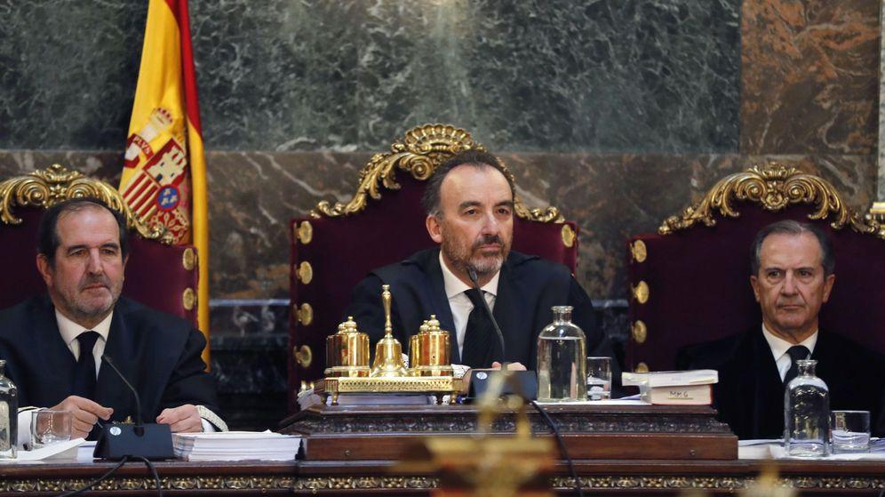 Foto: El magistrado del Tribunal Supremo Manuel Marchena, en el centro de la imagen. (EFE)