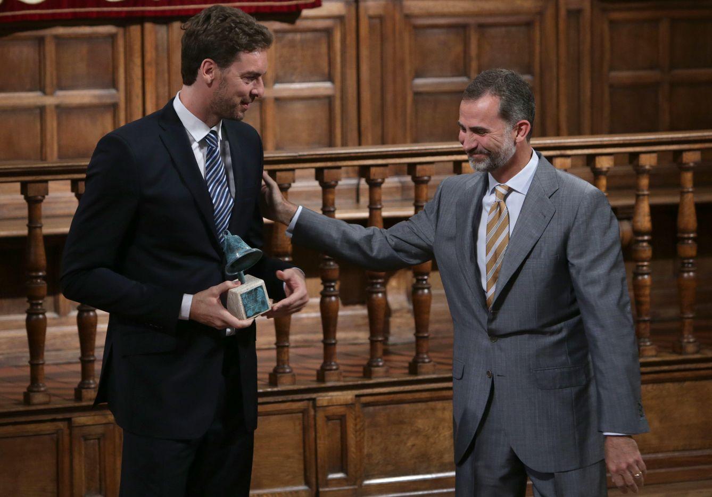 ¿Cuánto mide el Rey Felipe VI? - Altura - Real height Felipe-vi-y-pau-gasol-un-encuentro-de-altura