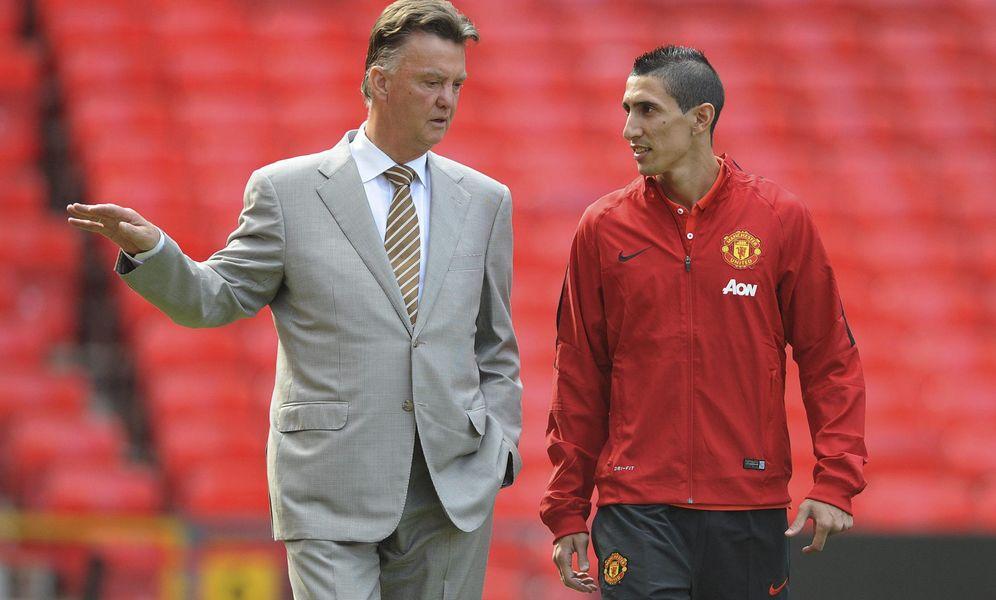 Foto: Van Gaal, con Di María en Old Trafford (EFE)