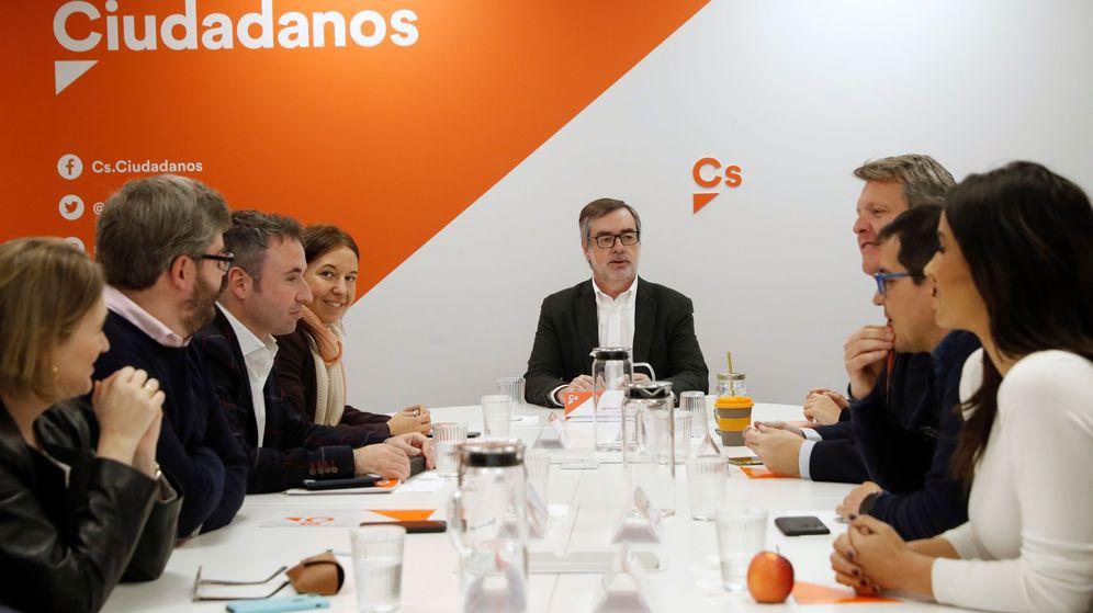 Foto: El secretario general de Ciudadanos, José Manuel Villegas (c), durante una reunión de la gestora. (EFE)