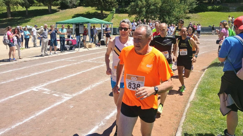 La última marca personal de Fermín Cacho: 1.500 metros sobre tierra