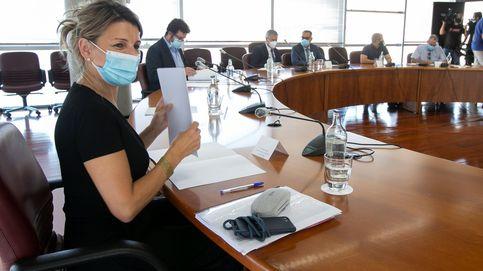 El Gobierno negocia un subsidio de 430 para los parados que se han quedado sin ayudas
