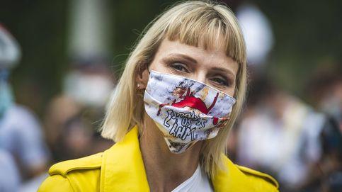 El 'lookazo' rockero y con flequillo de Charlene de Mónaco: todas las imágenes
