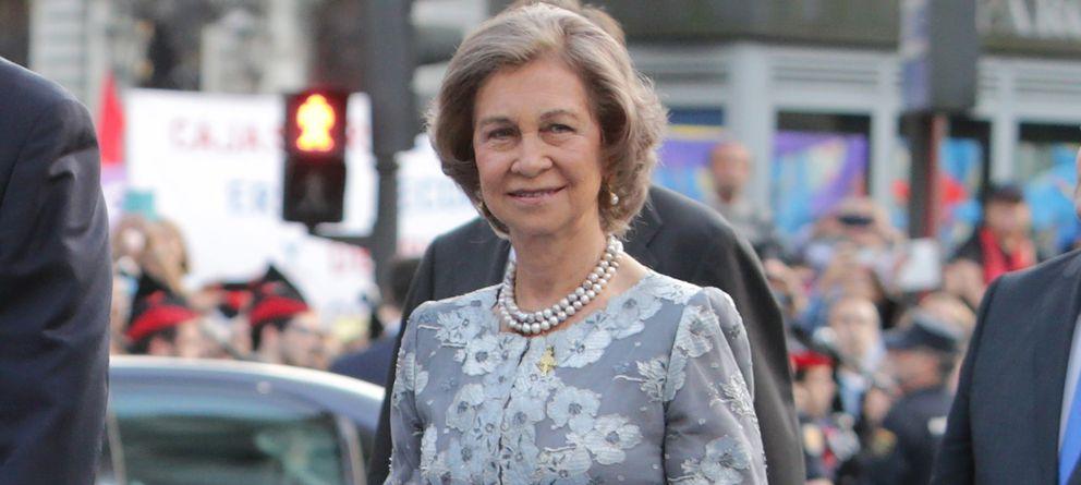 Foto: La Reina Doña Sofía a su llegada a los Premios Príncipe de Asturias (Gtres)