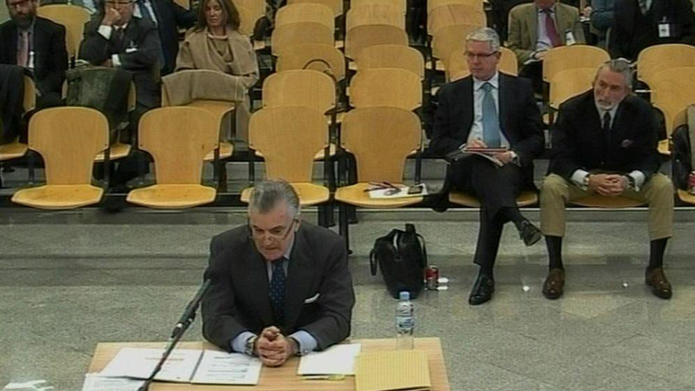 Foto: Captura de vídeo de la señal facilitada por la Audiencia Nacional de la declaración del extesorero del PP Luis Bárcenas. (EFE)