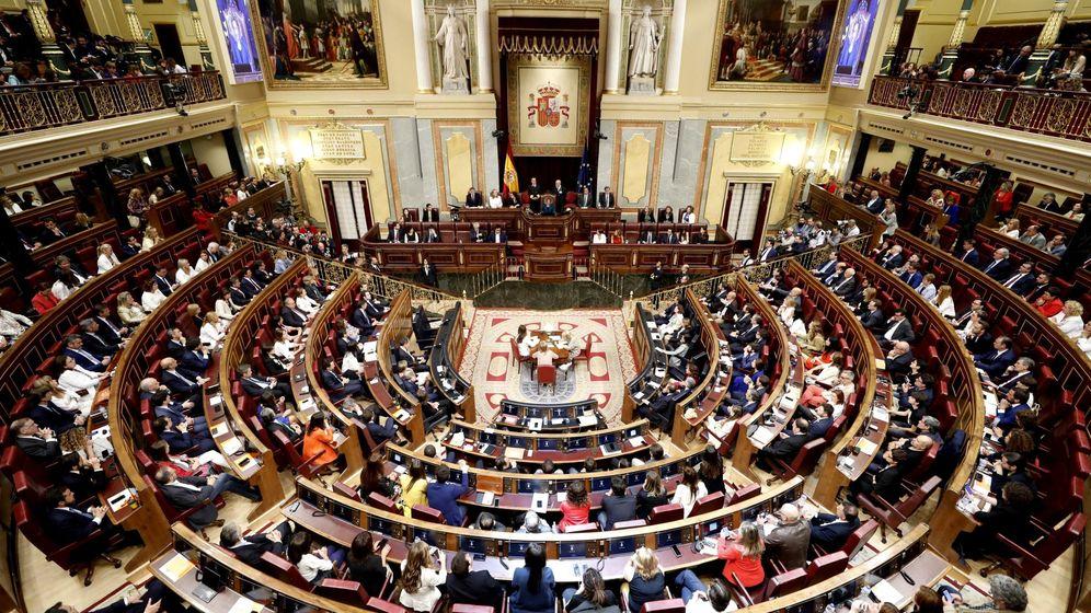 Foto: Vista general del Congreso de los Diputados durante la sesión constitutiva de la XIII Legislatura. (EFE)