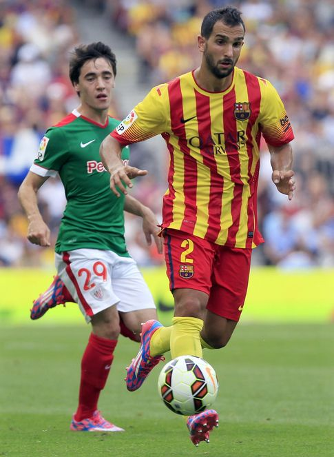 Foto: Montoya, ante el Athletic Club, en el único partido que ha jugado con el Barcelona esta temporada (EFE).