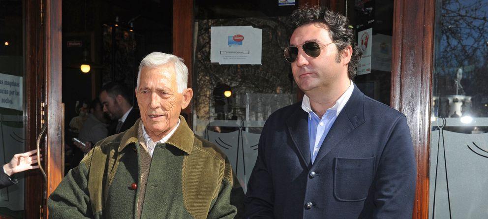 Foto: El torero Rafi Camino con su padre Paco Camino en una imagen de archivo (Gtres)
