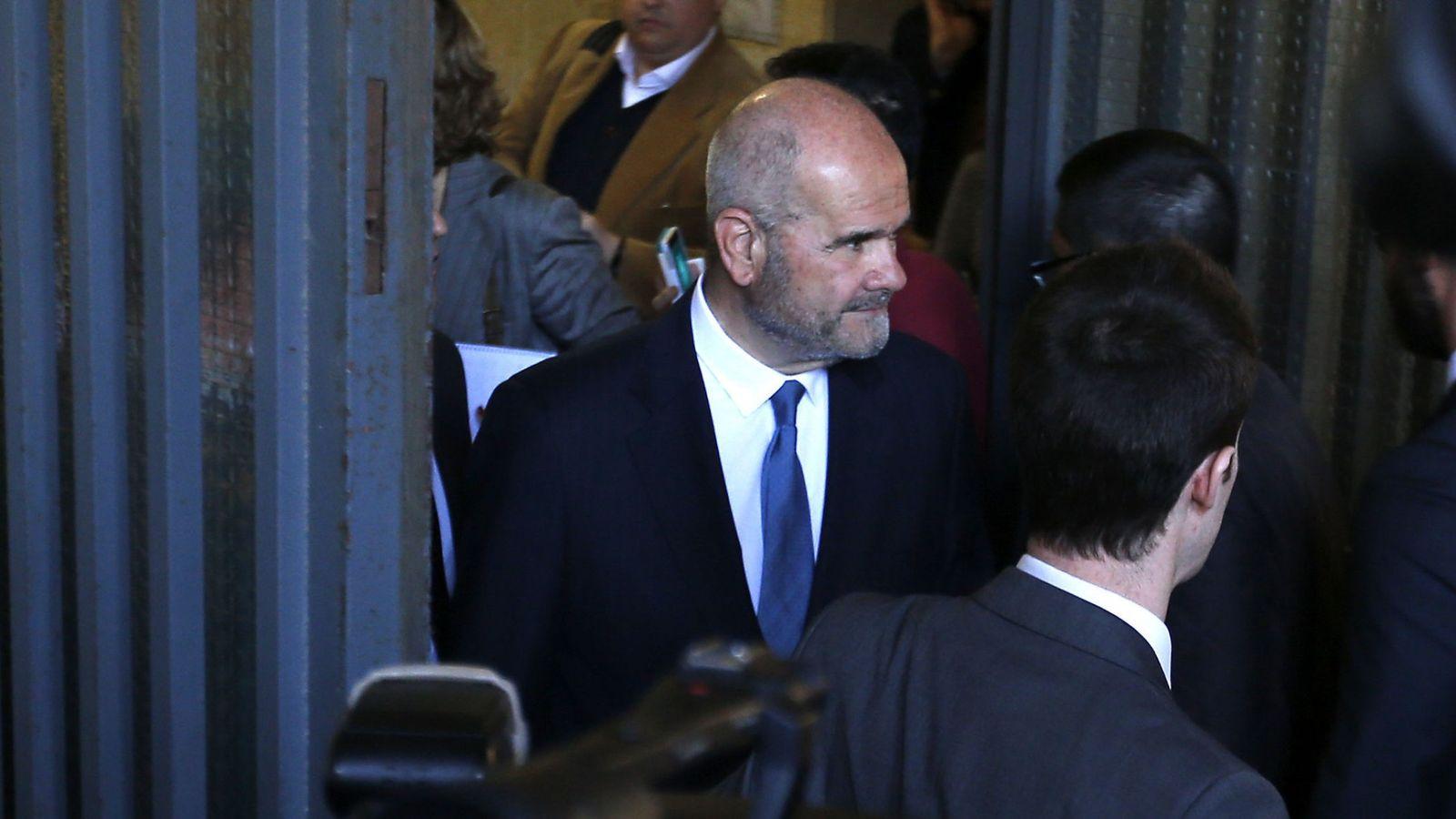 Foto: El expresidente de Andalucía a la salida de los juzgados tras declarar por el caso ERE. (EFE)