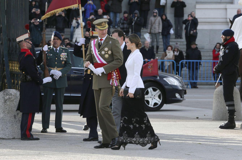 los-reyes-felipe-vi-y-letizia-complices-en-la-pascua-militar.jpg