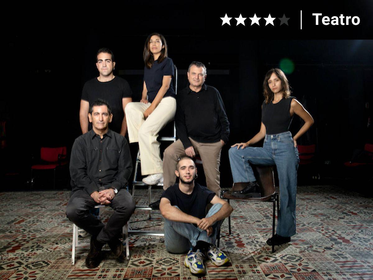 Foto: Elenco, director y creador de 'Voltaire'.