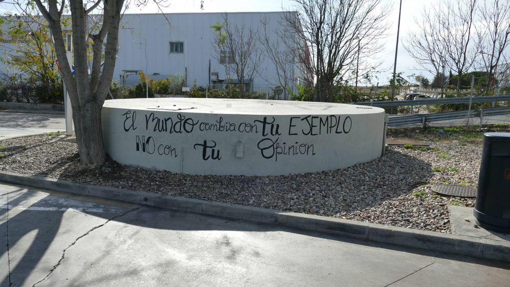 Foto: Esta es la pintada en una gasolinera de la zona norte de Madrid.