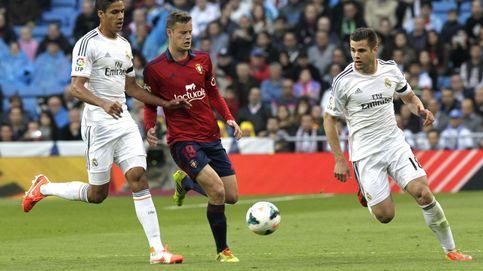 Mientras el Barça ficha suplentes, el Madrid tiene 5 titulares en el banquillo
