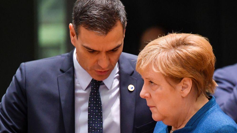 Foto: Pedro Sánchez y Angela Merkel, en una imagen de archivo. (Reuters)