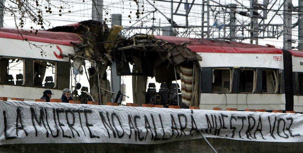 Imagen de uno de los trenes de Atocha tomada el 12 de marzo de 2004. (Reuters)
