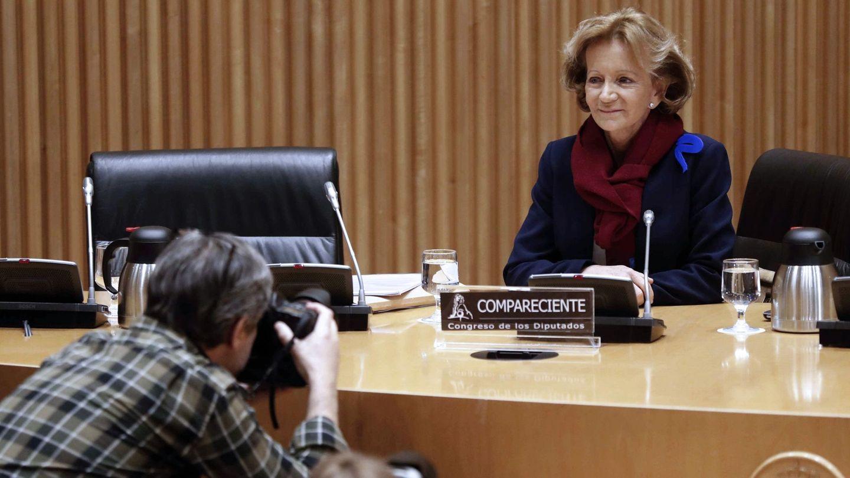 Elena Salgado durante su comparecencia en la comisión del Congreso. (EFE)