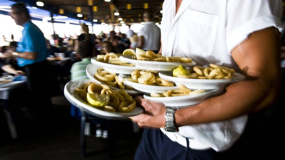 Foto: Los camareros forman parte de la España que no puede conciliar. (EFE)