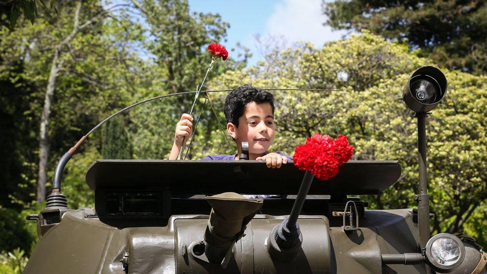 Foto: Conmemoración de la Revolución de los claveles en Portugal. (EFE)