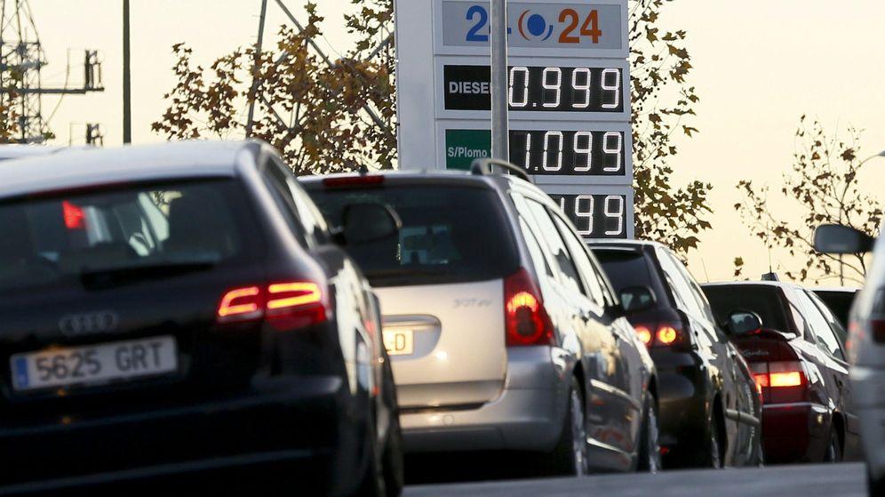 Foto: Fotografia de una gasolinera en el madrileño distrito de Carabanchel. (EFE)