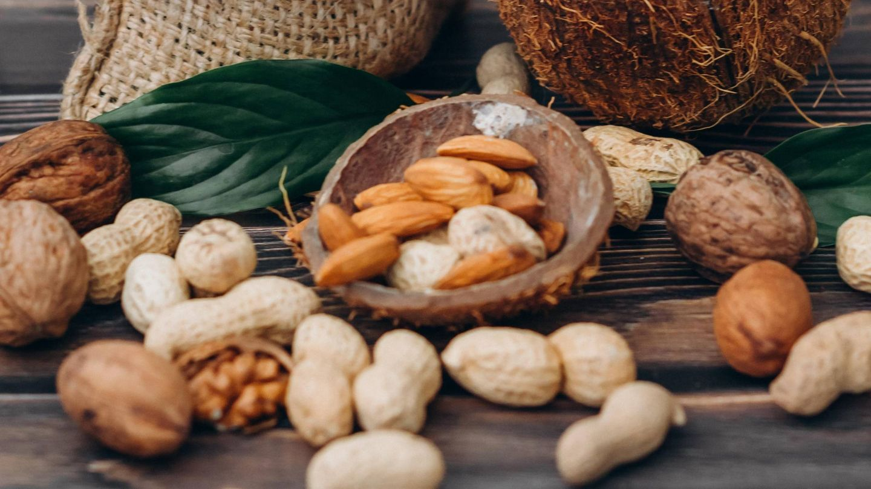 Esta es la cantidad de frutos secos que podemos tomar sin engordar. (Raspopova Marina para Unsplash)
