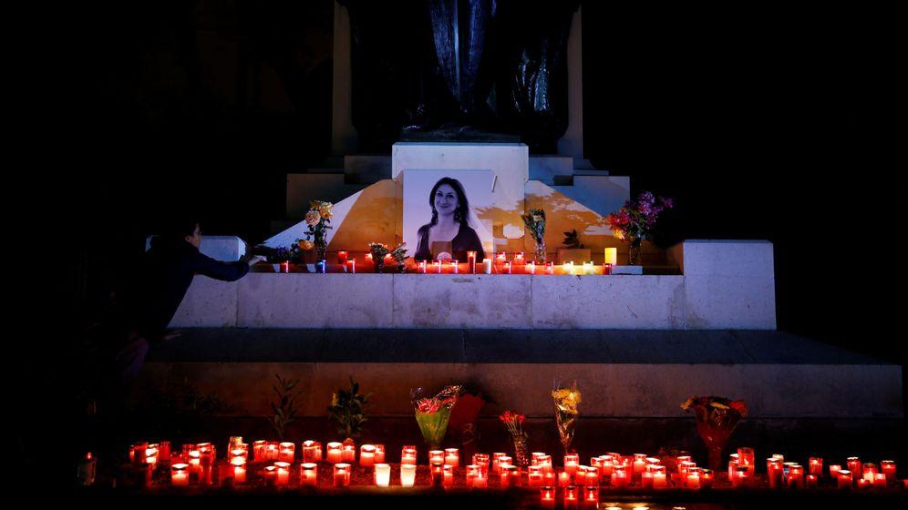 Foto: Vigilia de protesta en La Valeta en el primer aniversario del asesinato de Daphne Caruana Galizia.(Reuters)