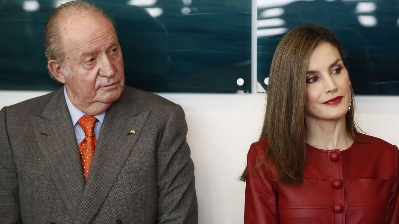 La Reina, con don Juan Carlos. (EFE)