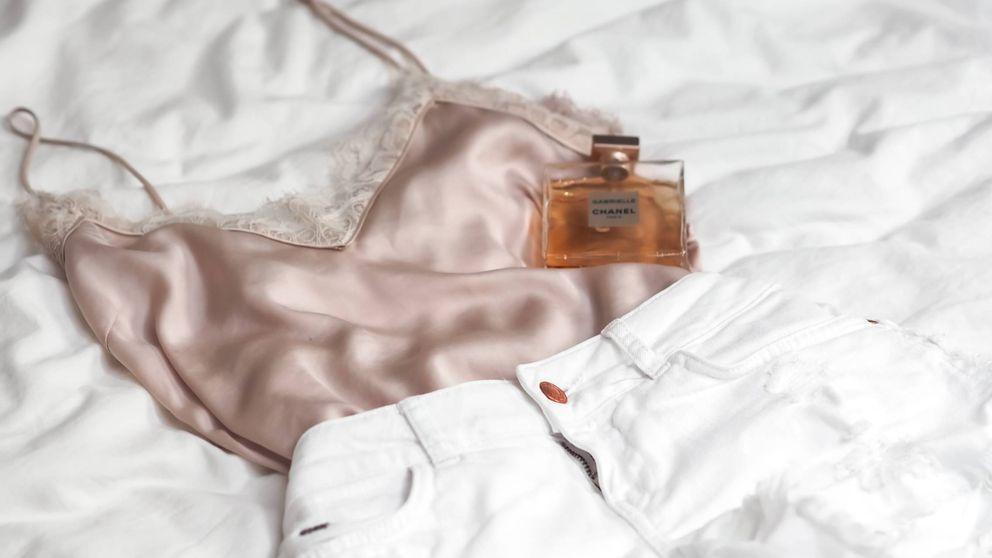 Cómo conseguir que el perfume dure más sobre la piel en verano