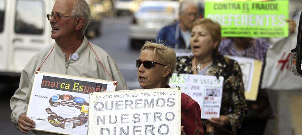 El defensor del pueblo abronca al perito que atac a los for Bankia cajero mas cercano