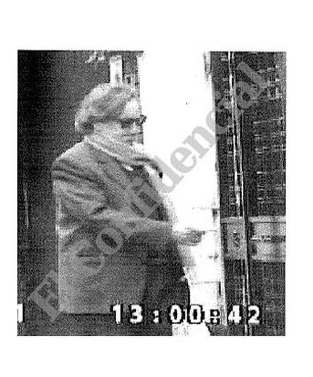 Foto: Joaquín Arespacochaga, fotografiado por la policía en Madrid. (El Confidencial)