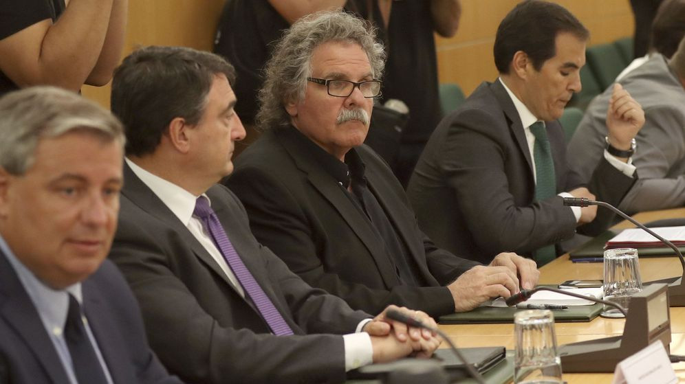 Foto:  El secretario de Estado de Seguridad, José Antonio Nieto (d), junto a Joan Tardà (2d), de ERC; y Aitor Esteban (2i), del PNV. (EFE)