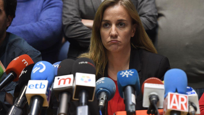 Tania Sánchez, de la tribuna política a las portadas de las revistas femeninas