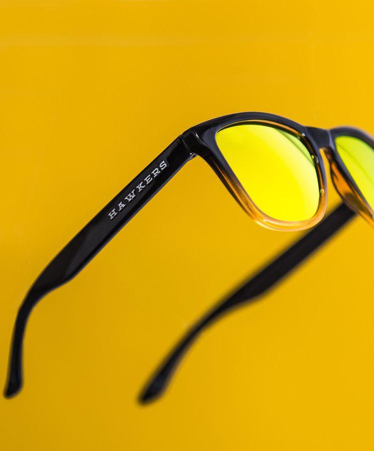 120775759b Redes Sociales: Las gafas de sol de Hawkers o cómo cuatro jóvenes de Elche  facturan 15 millones