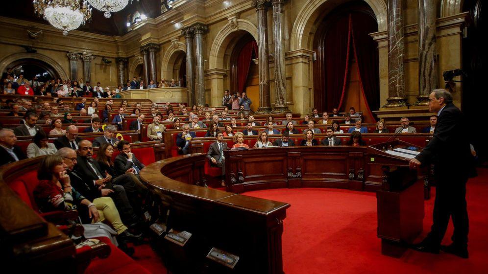 Foto: El presidente de la Generalitat, Quim Torra, comparece ante el pleno del Parlament. (EFE)