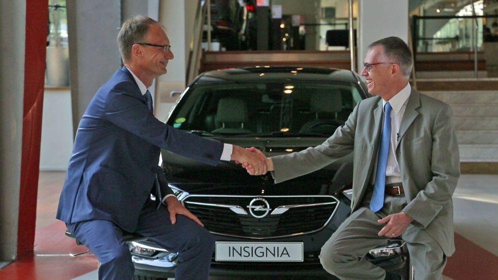 Foto: Momento del anuncio del acuerdo de compra de la marca Opel por parte del Grupo PSA en marzo de 2017.