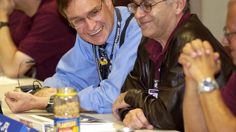 Los 'cacahuetes de la suerte' presiden uno de los momentos cruciales de la misión Cassini. (NASA)