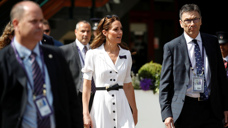 Kate Middleton con el vestido en el torneo de Wimbledon de 2019. (REUTERS)