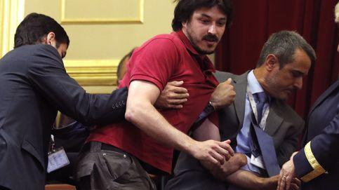Una víctima del Alvia increpa a Pastor por la gestión del accidente