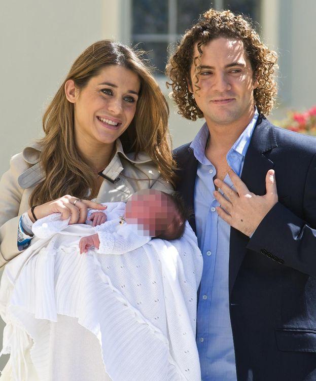 Foto: David Bisbal y Elena Tablada con su hija Ella (Gtres)