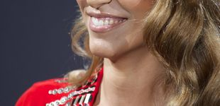 Post de Laura Vecino apuesta por una marca española para ser 'La mujer de rojo'