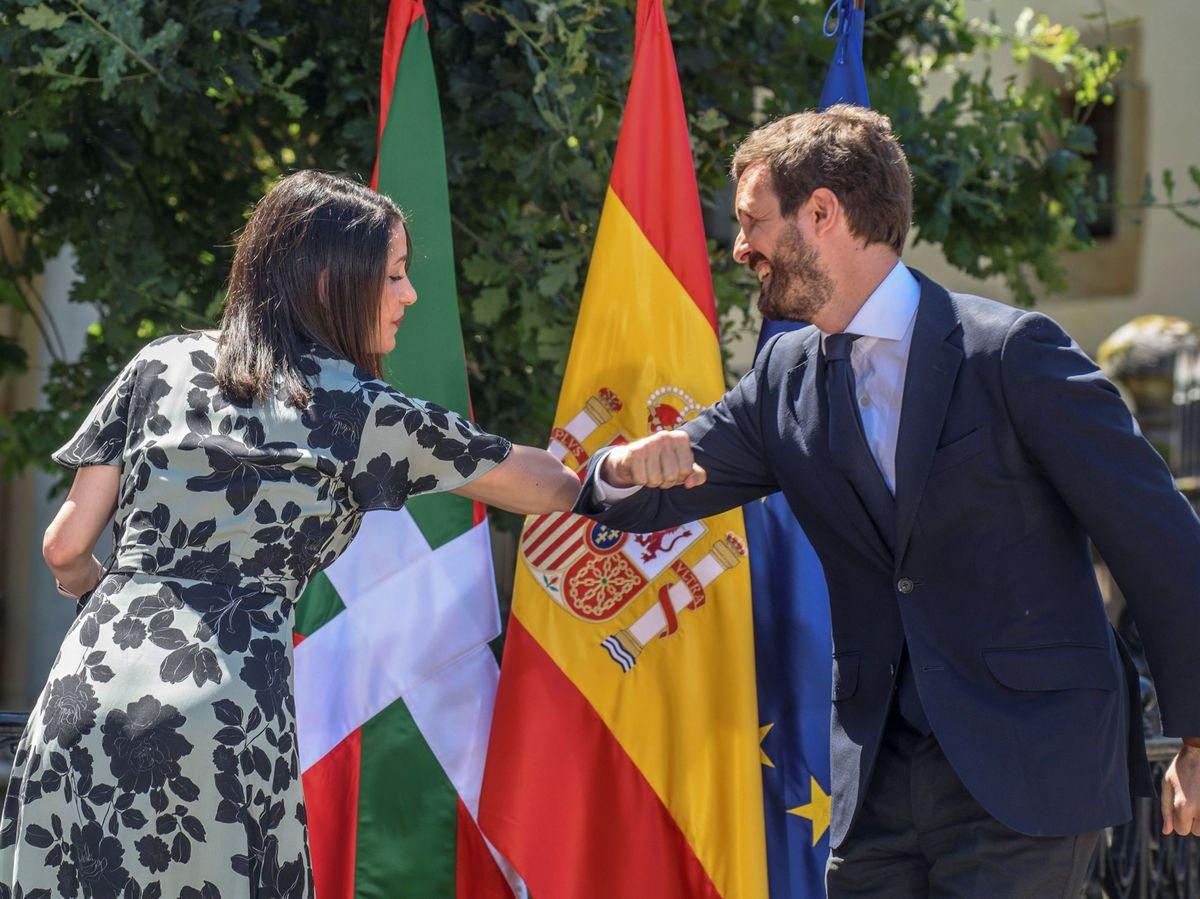 Foto: El presidente del PP, Pablo Casado, y la presidenta de Cs, Inés Arrimadas. (EFE)