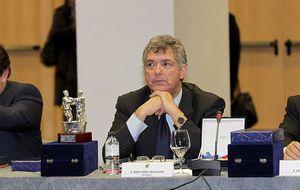 Una factura liquida a Jorge Pérez y hunde a María José Claramunt
