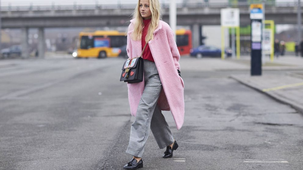 Los abrigos algodón de azúcar, la última conquista del millennial pink