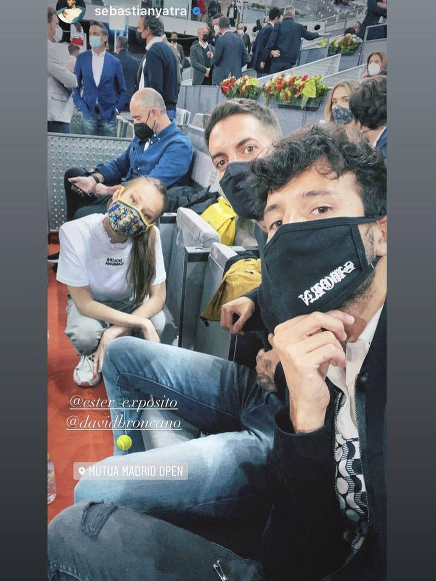 Ester Expósito, David Broncano y Sebastián Yatra. (Instagram)