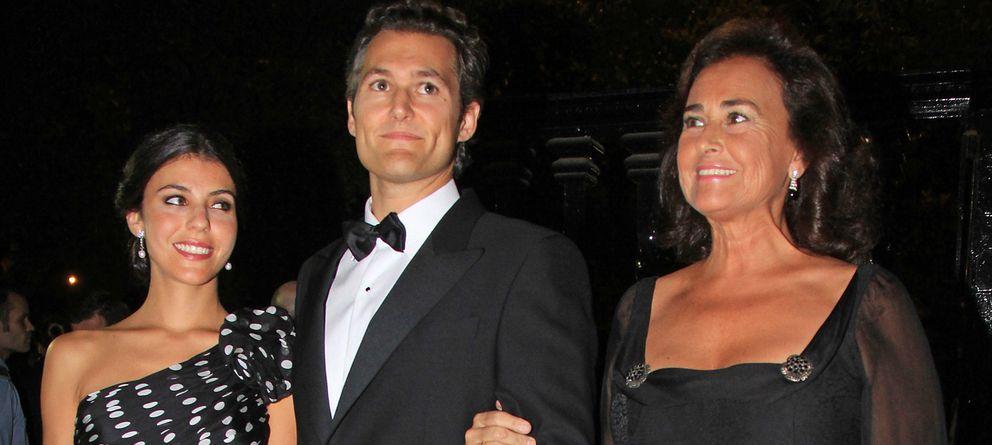 Foto: Carmen Tello junto a su hijo y su mujer