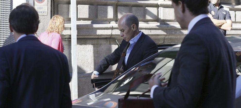 Foto: Jenaro García a su llegada hoy a la Audiencia Nacional para declarar ante el juez Pedraz (Efe)