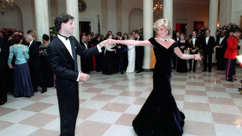 Diana de Gales y John Travolta en 1985. (Cordon Press)